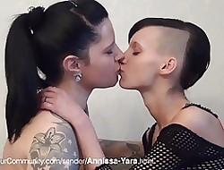 lesbian fucking machine - hot lesbos