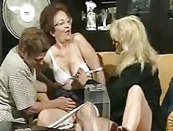 amazing ass porn - lesbians having sex