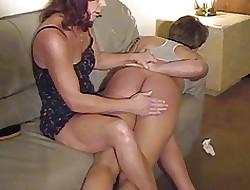 pornografia espancada - sexo lesbiano adolescente